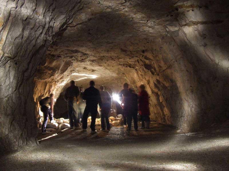 Пещера с привидениями