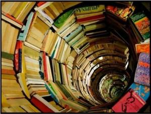 спираль из книг